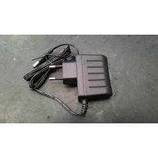 Блок питания (100-240В)/(5,0В 550 мА)